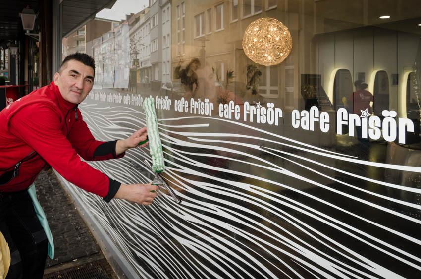 ©Frank-Menzel-PS-Gebäudemanagement-Cafe-Frisör-Hildesheim-Glasreinigung-Ladengeschäft-Reinigung-ESP_3021
